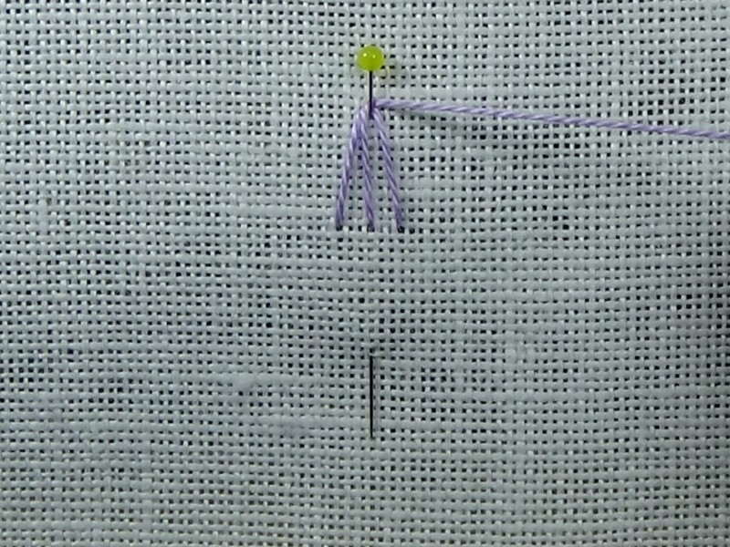 Detached woven picot method stage 3 photograph