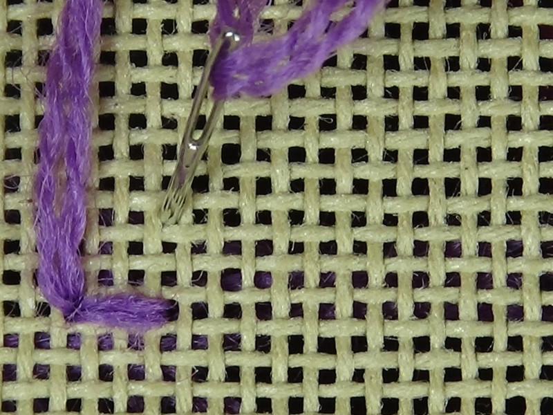 Two-sided Italian cross stitch method stage 1 photograph
