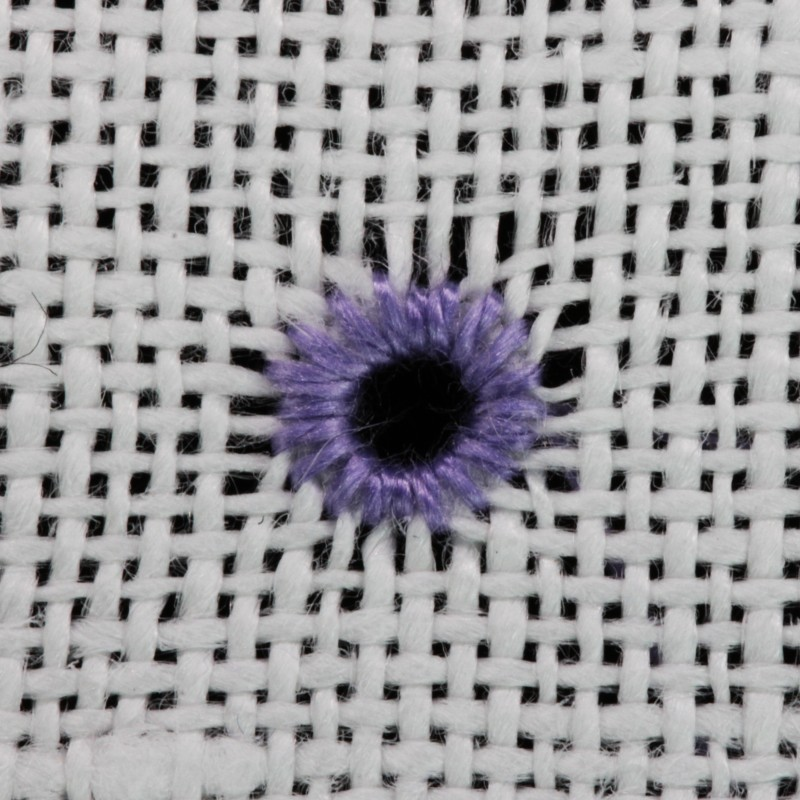 Round eyelet (pulled thread) method stage 7 photograph